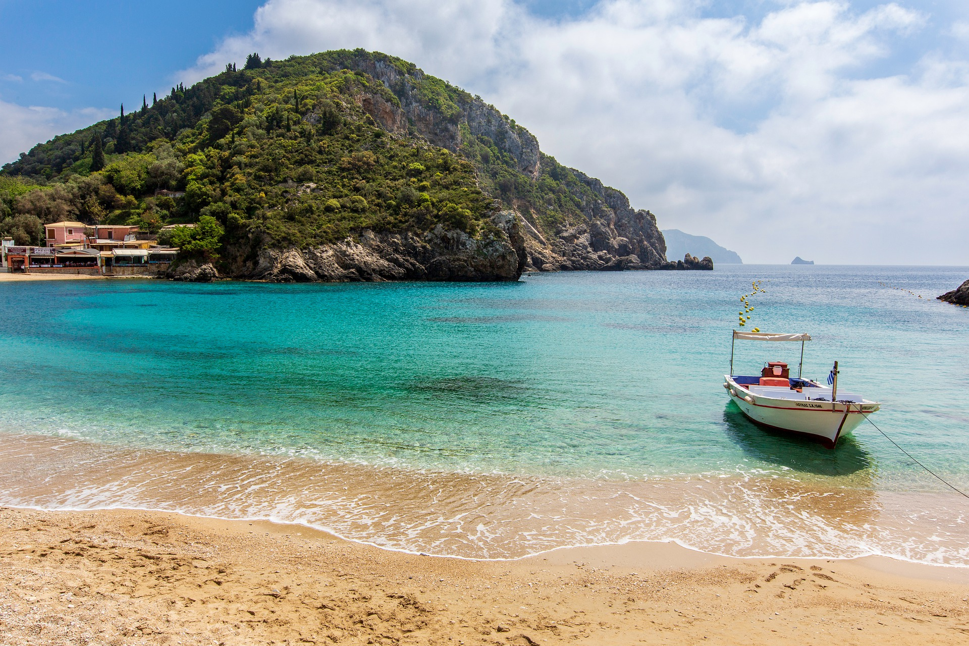 Lidojumi uz Korfu un atpakaļ, sākot no 49 EUR